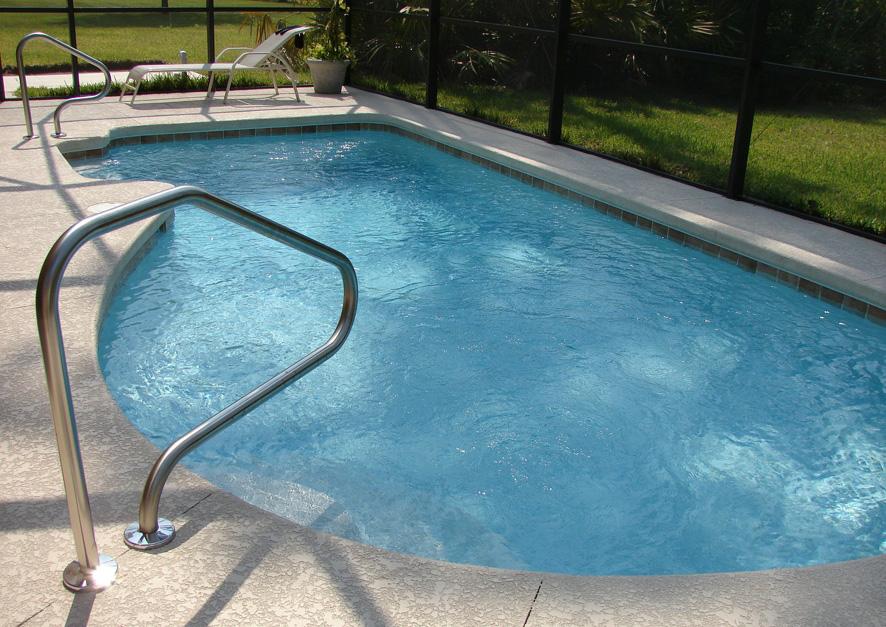 mantenimiento de la piscina Portal Jardin